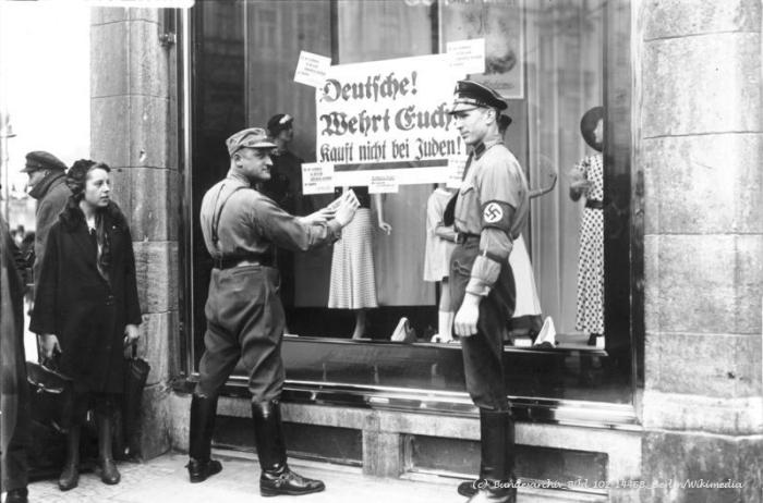 (c) Bundesarchiv, Bild 102-14468, Berlin / Wikimedia