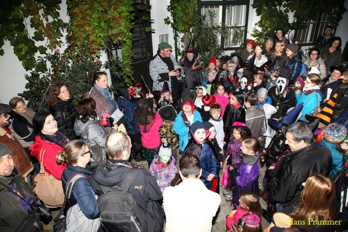 Wieny bei seiner Halloween-Mitmach-Tour | (c) Hans Prammer